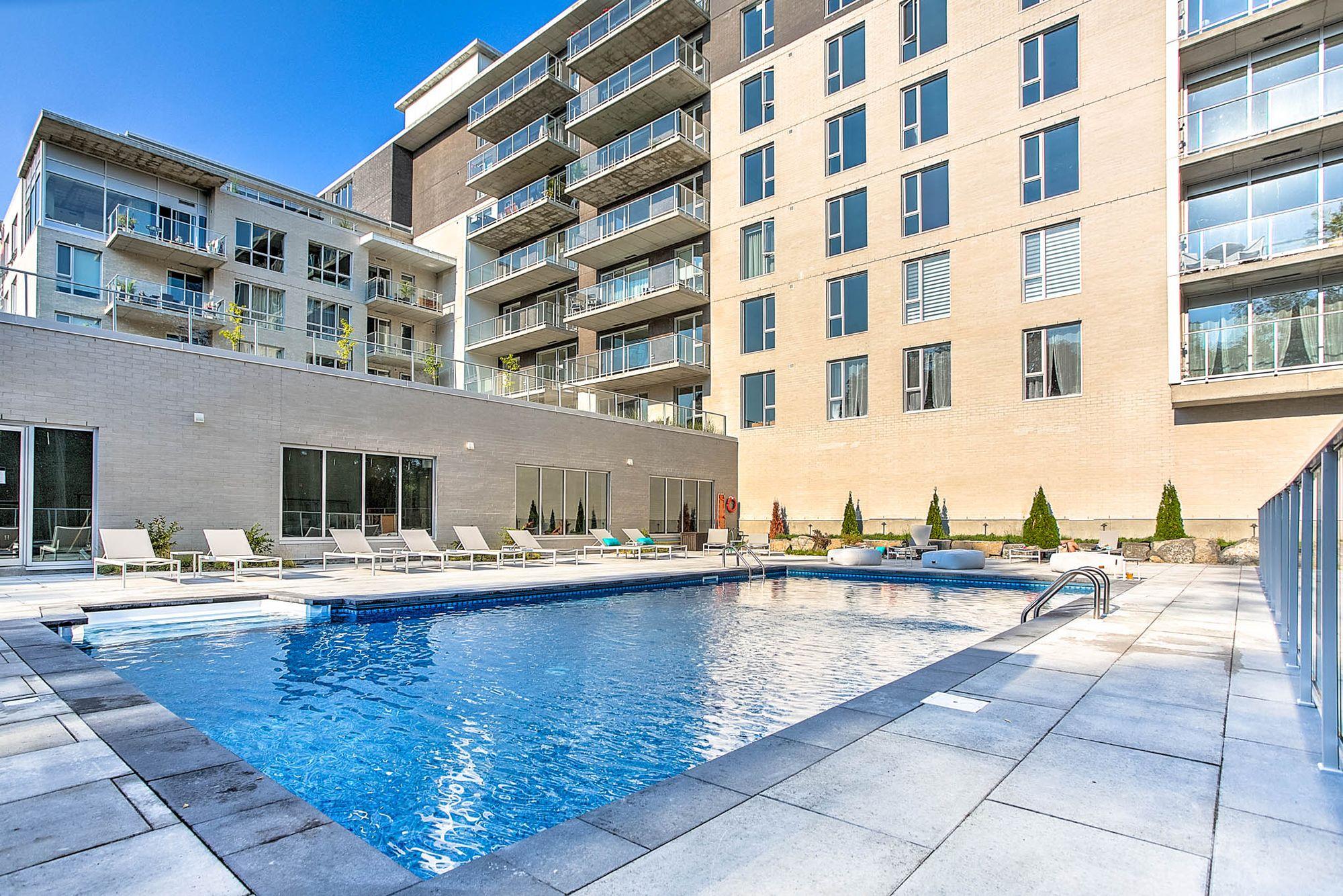 Condo a vendre Blainville avec piscine