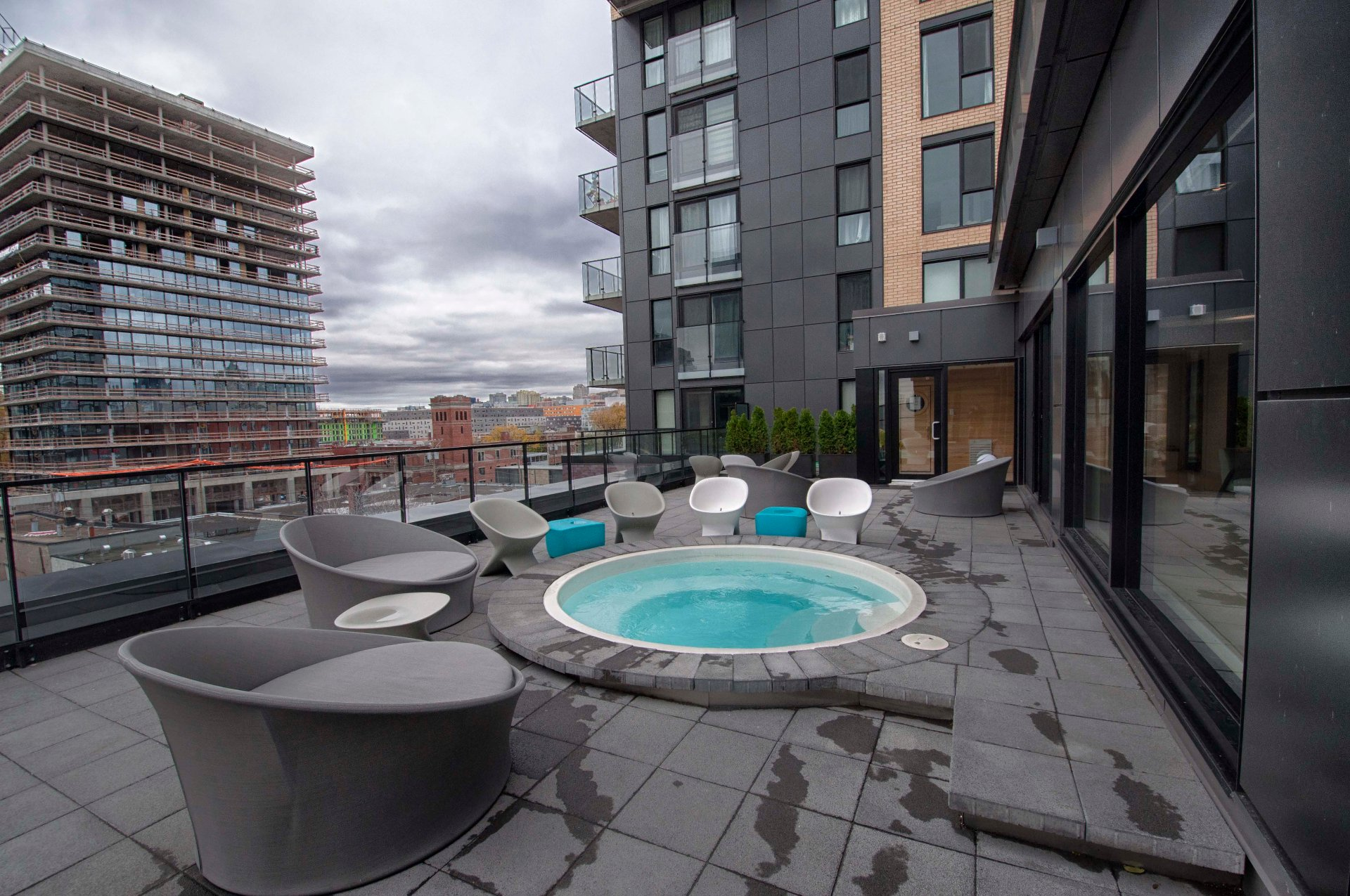 Condo louer griffintown mcgill immobilier for Club piscine montreal locations