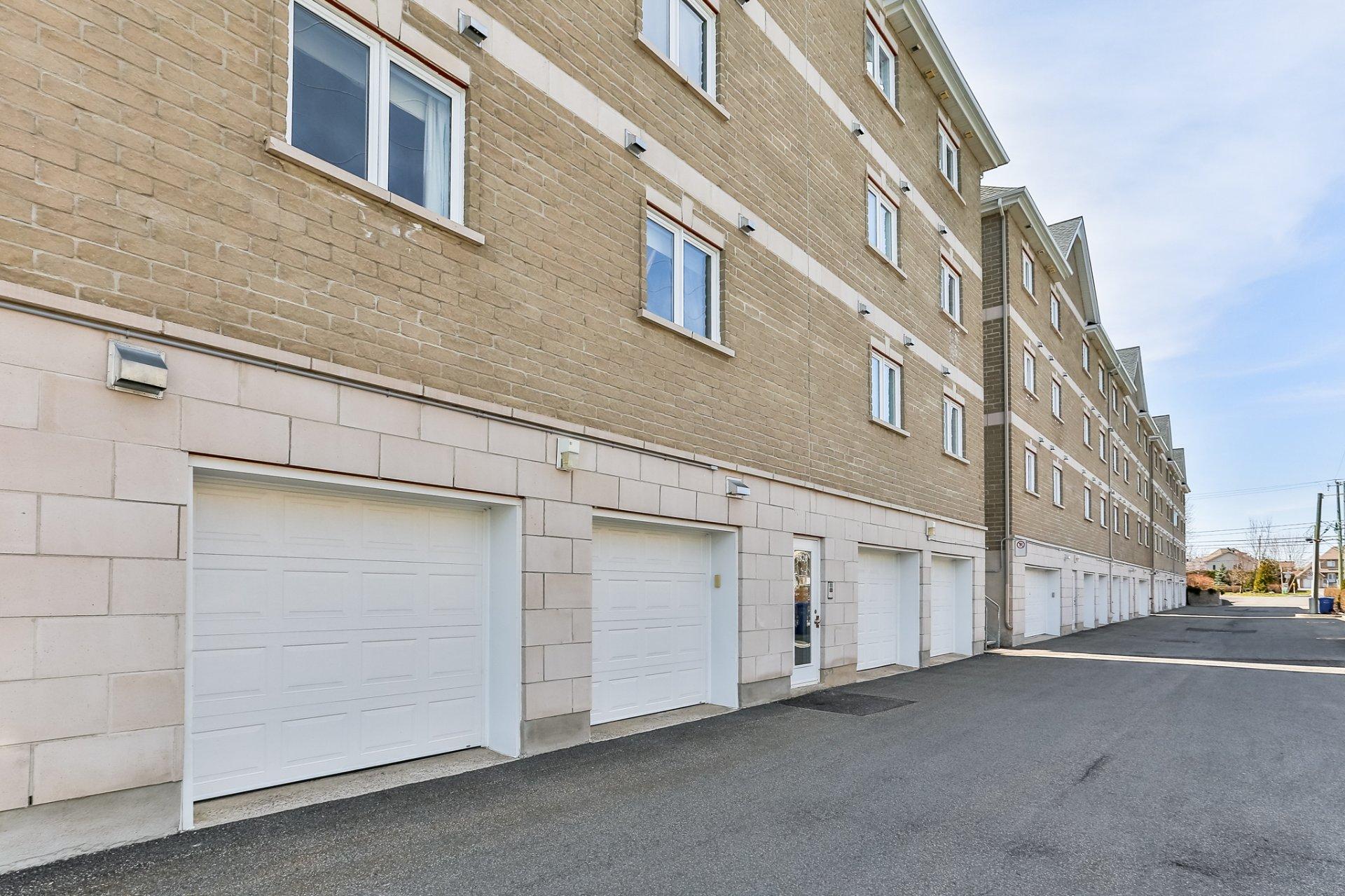 Condo vendre repentigny mcgill immobilier for Club piscine repentigny