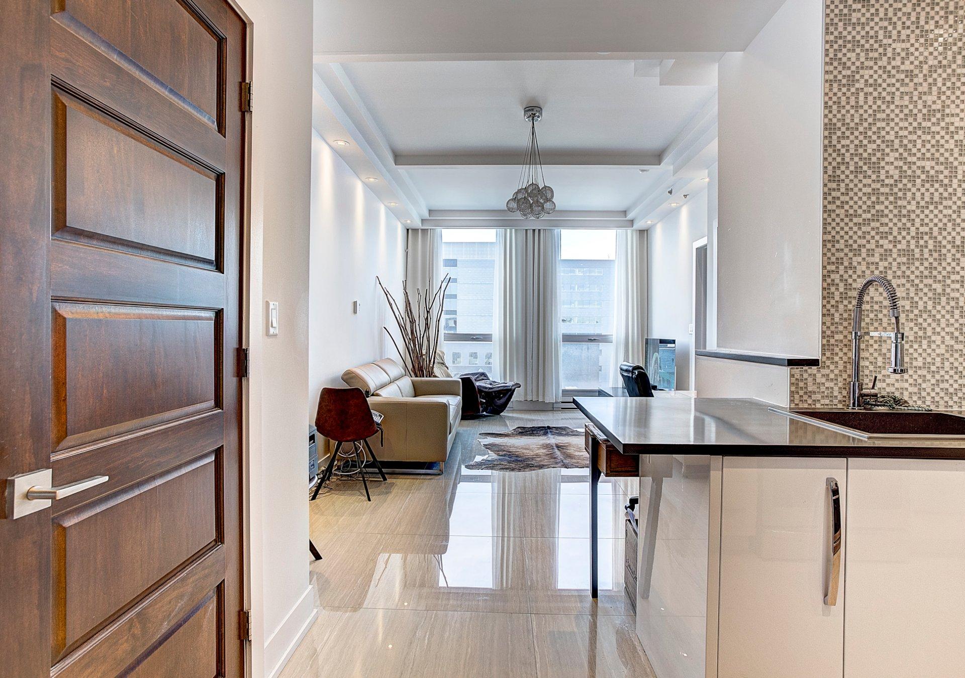 Appartement semi meubl vieux montr al 1 650 00 for Meuble vieux montreal